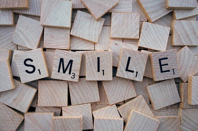 astuce pour passer une bonne année : sourire