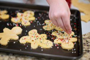 activités créatives avec les enfants : biscuits