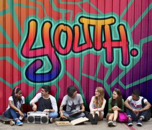 les adolescents et les écrans : et leur besoin de faire groupe alors ?